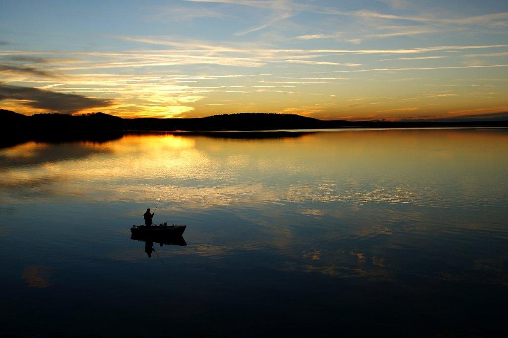 ZYBrombachsee-Sonnenuntergang-Angler.JPG